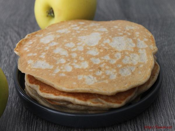 Pancakes aux pommes râpées et cannelle
